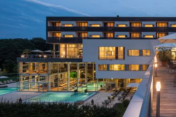 Spa Resort Styria Falkensteiner Aussenansicht Bad Waltersdorf